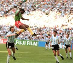 1990 - Oman Biyik lifts the team up